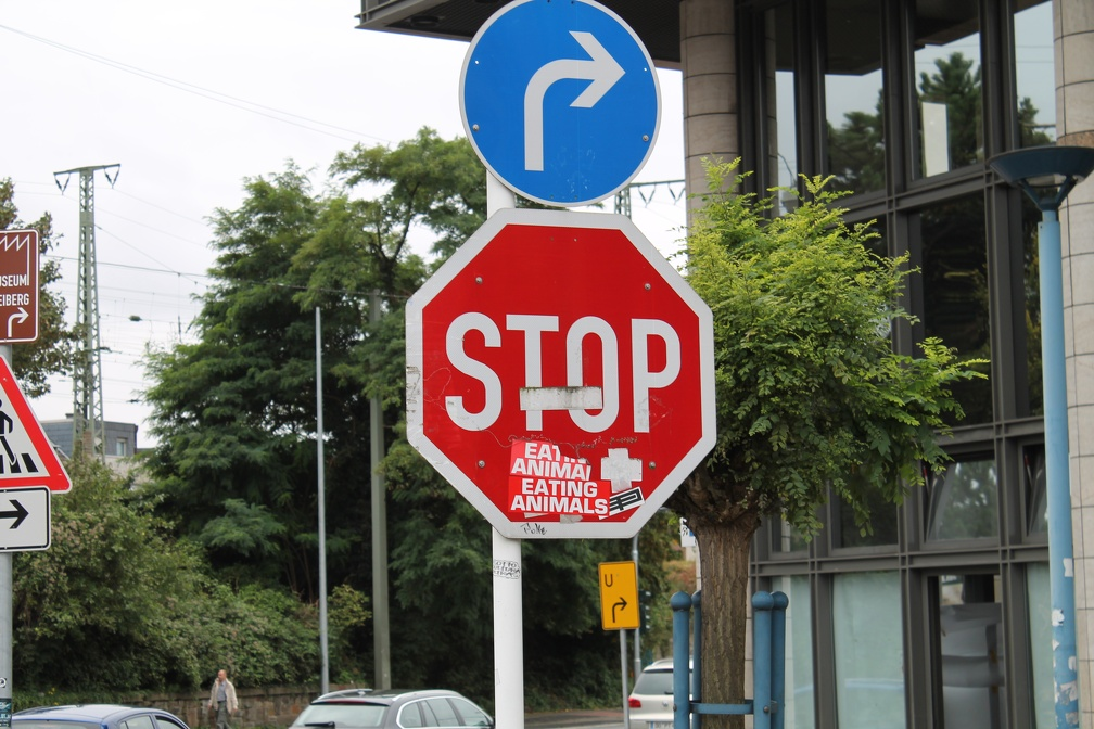 "Verkehrschild ""Stop eating Animals"""